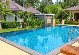 New Modern 1 Bedroom House with Pool A