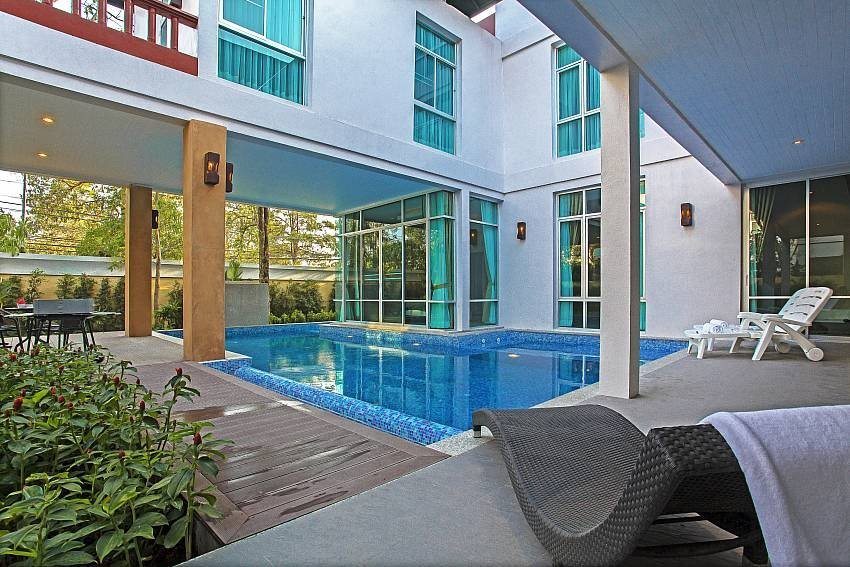 Owners abroad Jomtien Waree 8 | Luxury 6 Bed Pool Villa in Na Jomtien Pattaya