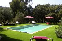 Villa in France, Le Lavadou: pool and lawn for your comfort