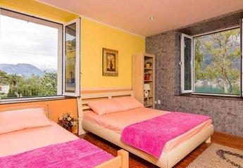 Villa in Montenegro, Dobrota