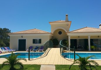 8 bedroom Villa for rent in Quarteira