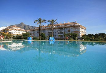 Apartment in Spain, Golf La Dama De Noche: Pool and Complex