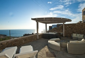 4 bedroom Villa for rent in Mykonos