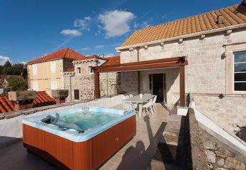 5 bedroom Villa for rent in Cavtat