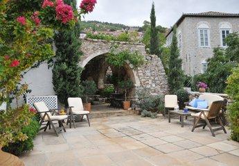 Villa in Greece, Hydra: Outside Sitting Area