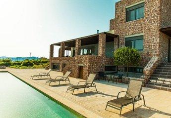 Villa in Greece, Aegina: Pool Area