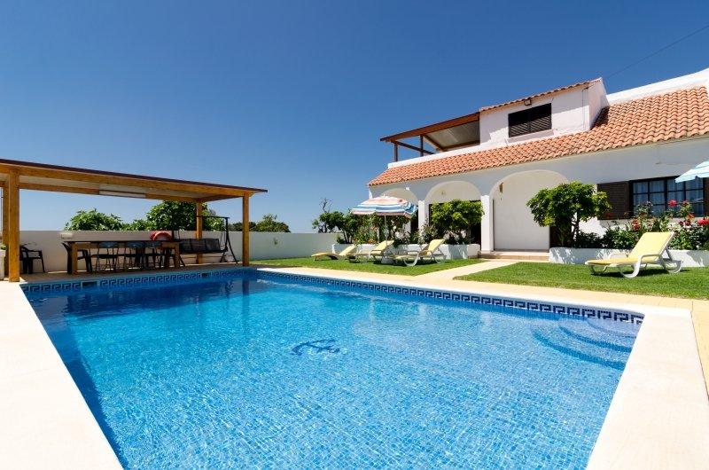 Villa in Portugal, Torre