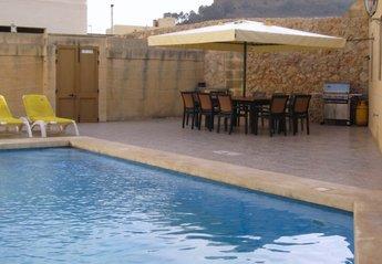 5 bedroom Farmhouse for rent in Rabat