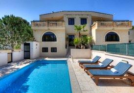 Villa Sardinella