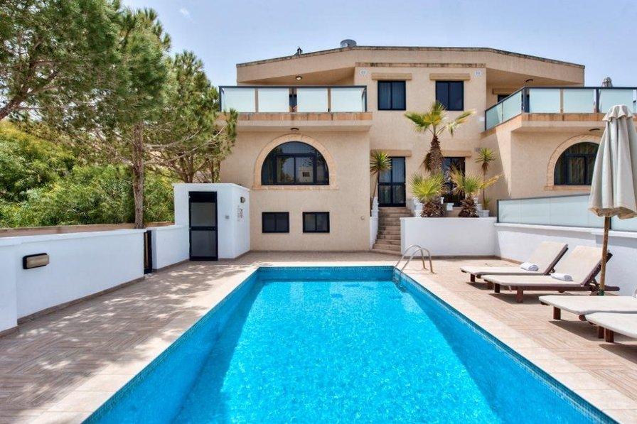 Villa Rentals Malta Santa Maria Estate