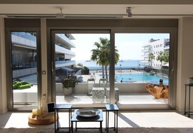 Elegant & quiet, first line apartment in Playa den Bossa