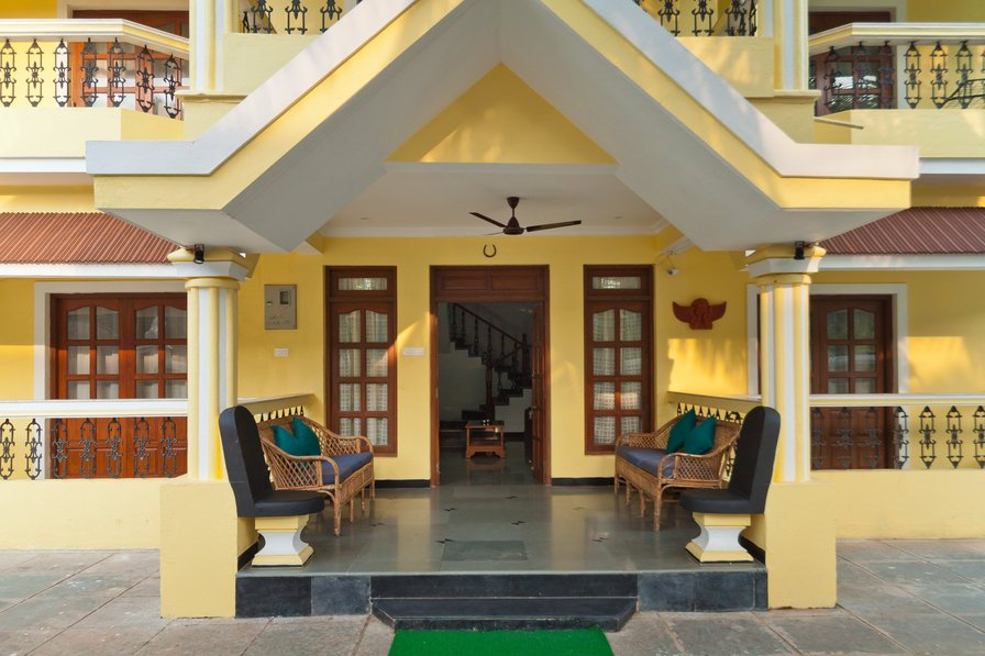 Villa to rent in calangute india with shared pool 184541 for Guest house in goa with swimming pool