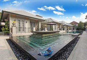 9 bedroom Villa for rent in Pattaya