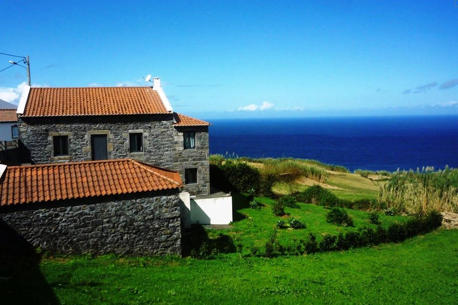 House in Portugal, Nordeste