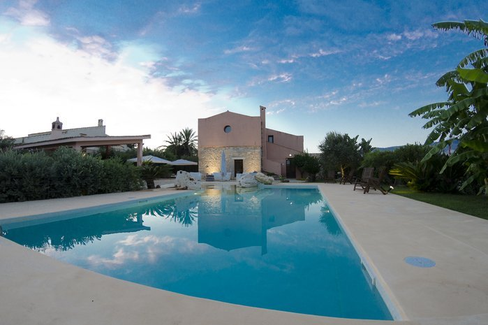 Villa To Rent In Buseto Palizzolo Sicily With Private