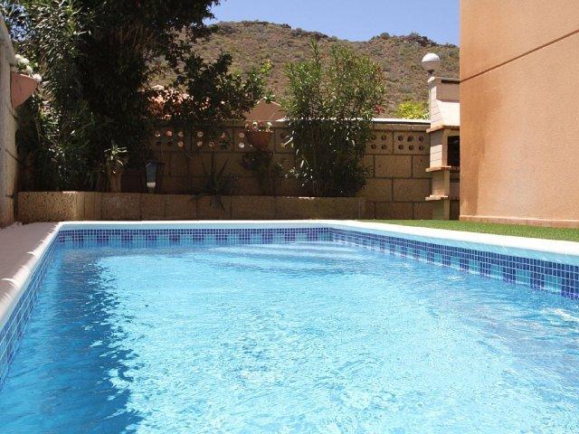 Villa in Spain, Cho II