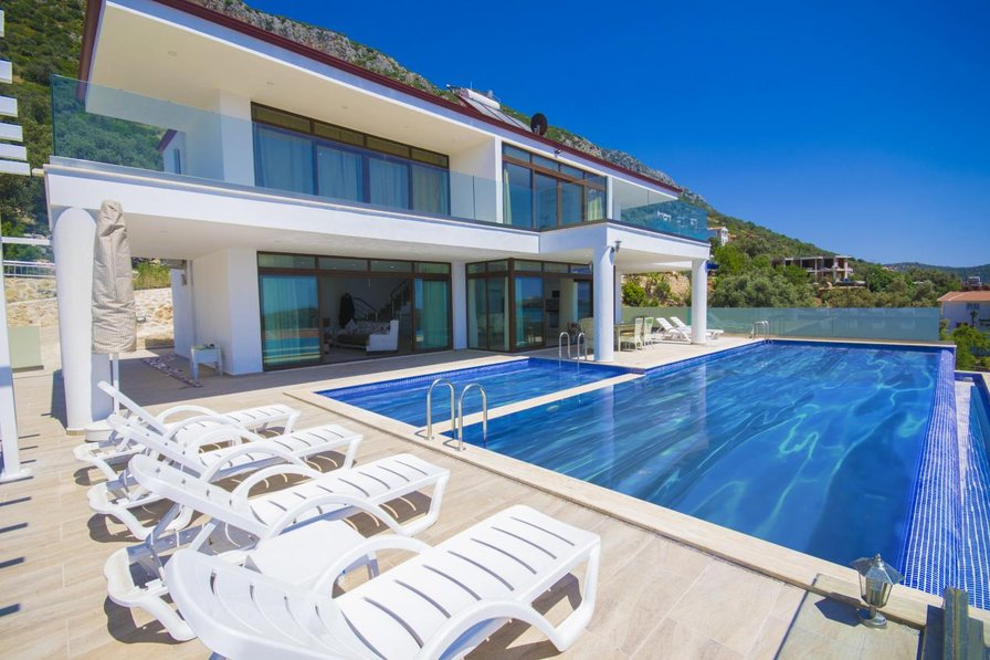 Luxury villa in Kordere/ kalkan, sleeps 06 : 172