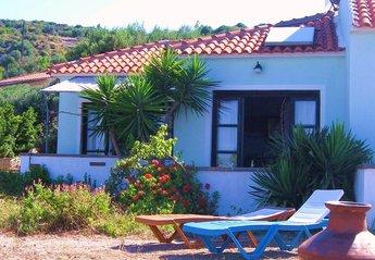 Villa in Greece, Samos: little villa of 40 m2  plus 16 m2 verandes