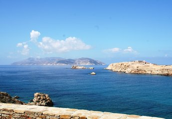 Villa in Greece, Ios Island: Gaze at the Aegean endless blue