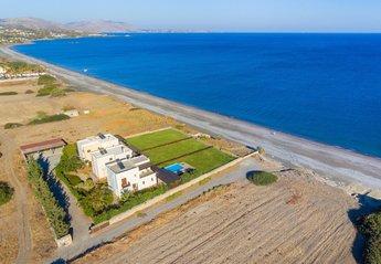 4 bedroom Villa for rent in Gennadi