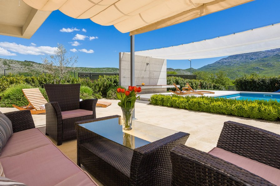 Owners abroad STUNNING VILLA SOFIA WITH HEATED POOL IN SPLIT HINTERLAND!!!