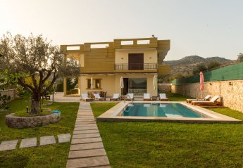 4 bedroom House for rent in Rhodes