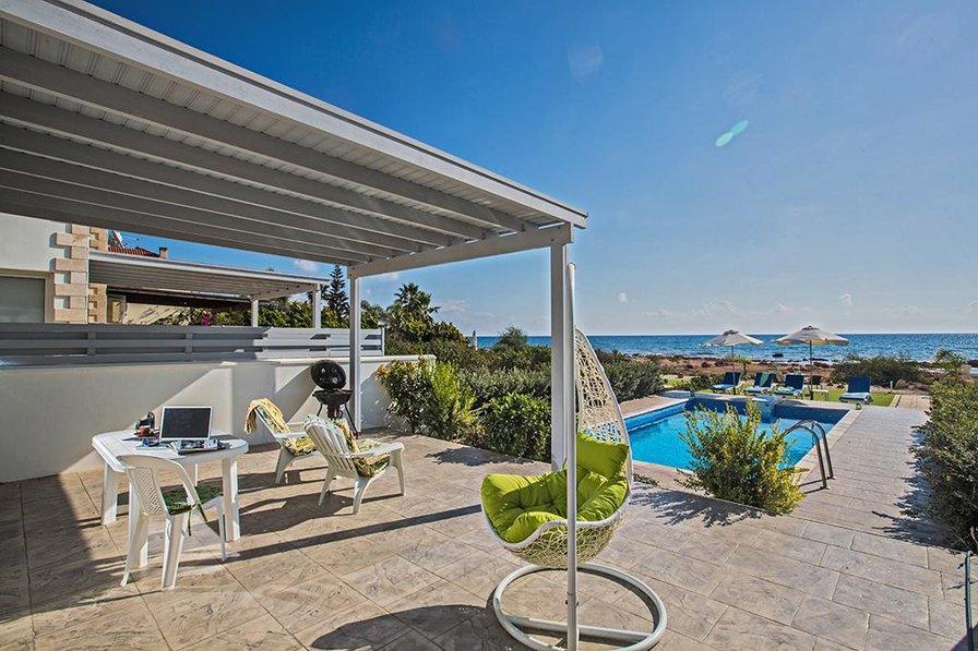 Gorgona Front Line Villa 11 with pool