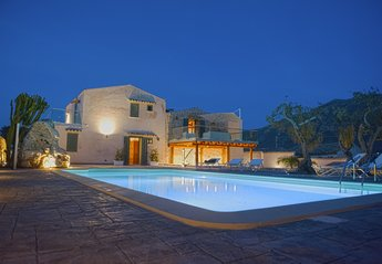 6 bedroom Villa for rent in Castellammare del Golfo