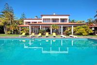 House in Portugal, Machico