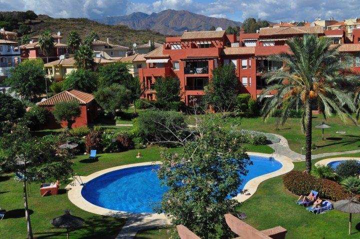 Penthouse: 3 bed/3 bath, Sky/WiFi on Las Lomas de Mijas Golf