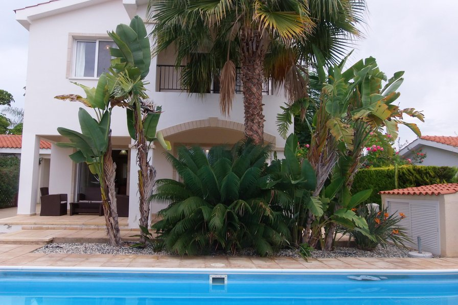Coral Bay - 5 Mins to Beach - 3 Bed Villa - Private Pool