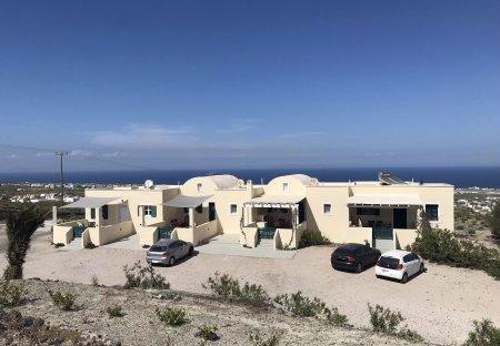 Apartment in Pyrgos, Santorini