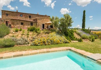 6 bedroom Villa for rent in Pienza