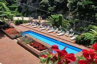 Apartment in Italy, Ravello: 02 Cactus shared pool area
