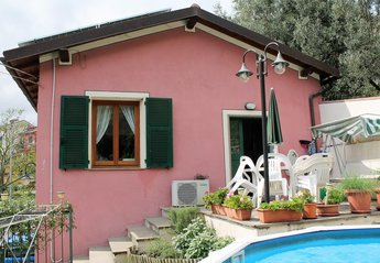 House in Italy, Recco: Terrace and main entrance