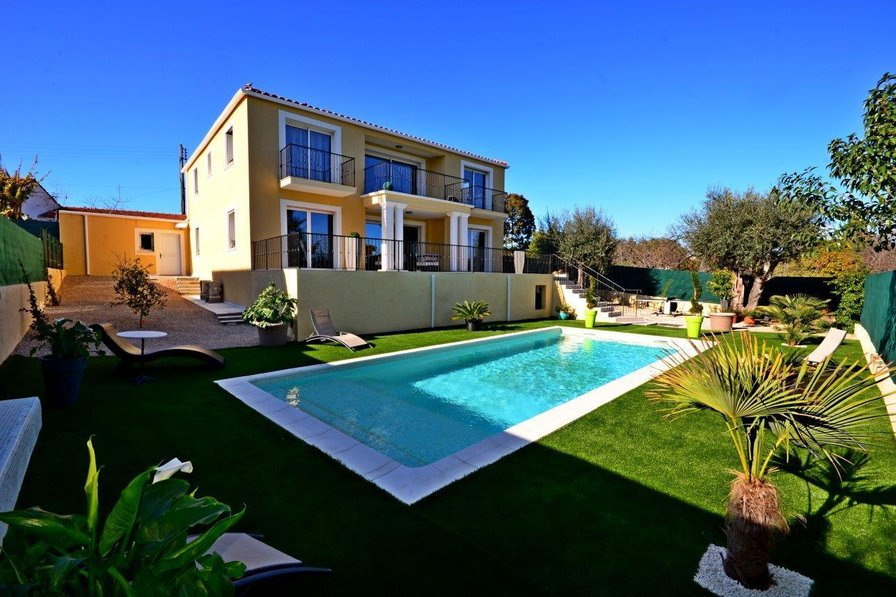 Villa in France, Marina