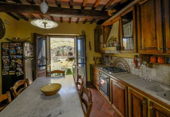 0 bedroom House for rent in Cortona