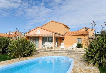 Villa in France, Les Sables-d'olonne: Typical villa. Actual accommodation may differ.