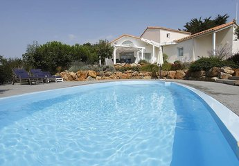 Villa in France, Chateau d'Olonne: Typical villa. Actual property may differ.