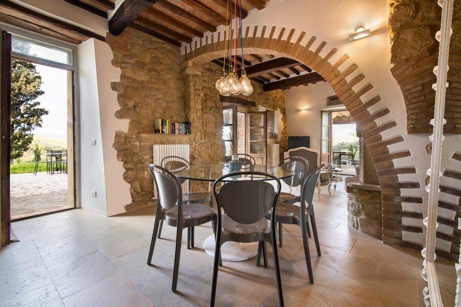 House in Italy, Volterra