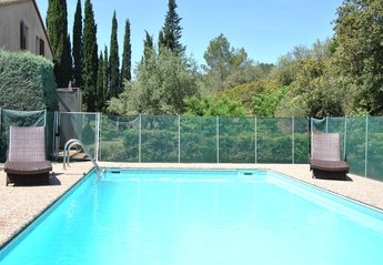 Villa in France, Villeneuve-lès-Bézie: Private heated pool - 10 X 5 metres approx
