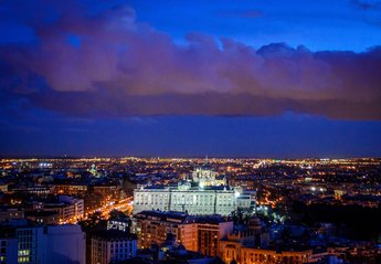 Studio Apartment in Spain, Madrid: Spectacular night view of the historic center of Madrid