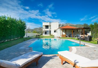 4 bedroom Villa for rent in Faliraki