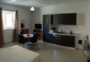 Studio Apartment in Malta, Zebbug: Kitchen