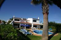 Villa in Portugal, Praia da Gale: Villa Fatima is ready and waiting for you to arrive