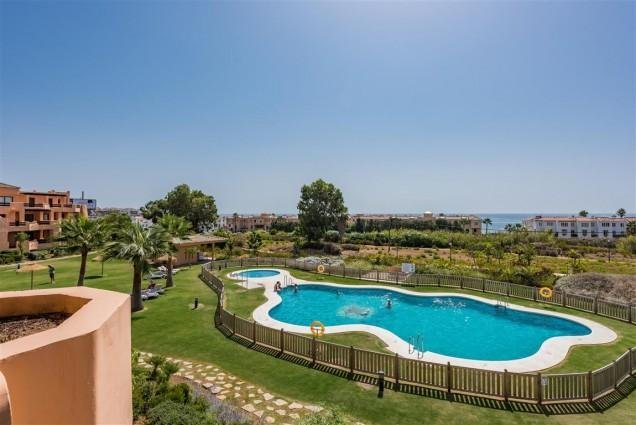 Owners abroad 2 bedroom penthouse with extra large terrace and seaviews