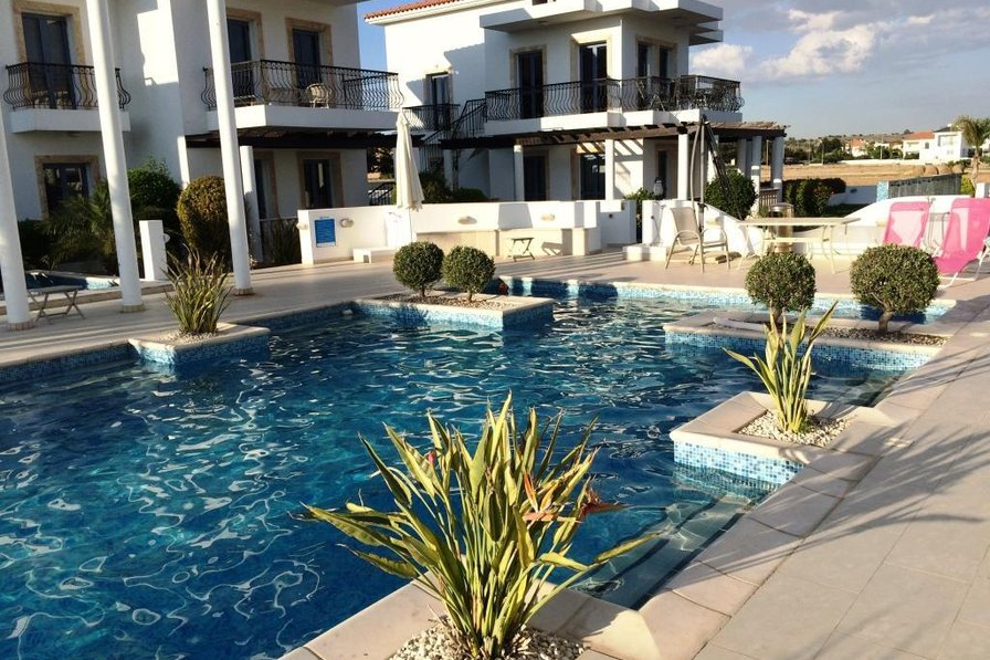 Villa Troya, 2 bed villa with shared pool