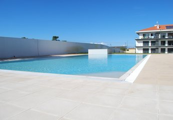 Apartment in Portugal, Sao Martinho do Porto: 175m² of fun! http://www.holidays-in-saomartinho.co..