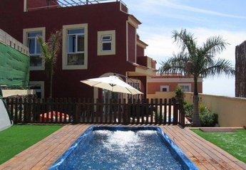 5 bedroom Villa for rent in Arona