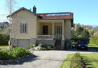 Gite in France, Sainte-Colombe-Sur-L'Hers: Entrance to the property